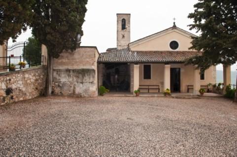 chiesetta S Salvatore castello Montecchia di Crosara